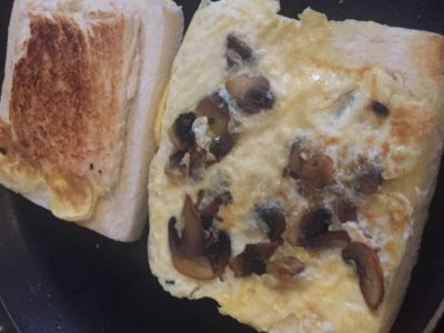 Toast cheesy – omelette